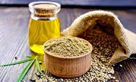 Mit Cannabis angereichertes Olivenöl