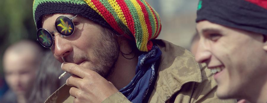Wählen Sie Cannabis eher Alkohol ungesunde aggressive Verhalten süchtig Alkoholismus