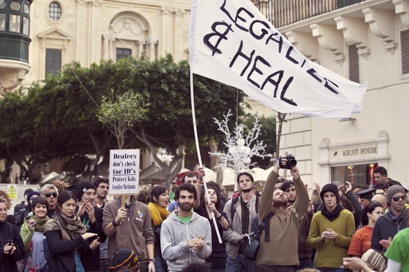 Länder konsumieren Cannabis weltweit Betrag Geld Legalisierung