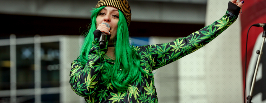 Mainstream Couture Stoff Cannabis Geschäft